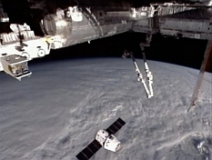 SpaceX Dragon docking at ISS