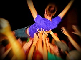 Crowd Surfer (image by Photos by Mavis, Flickr, CC)
